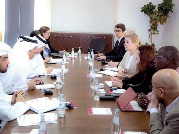 Photo of د. المري يجتمع مع وفد الفريق الأممي المعني بالاحتجاز التعسفي