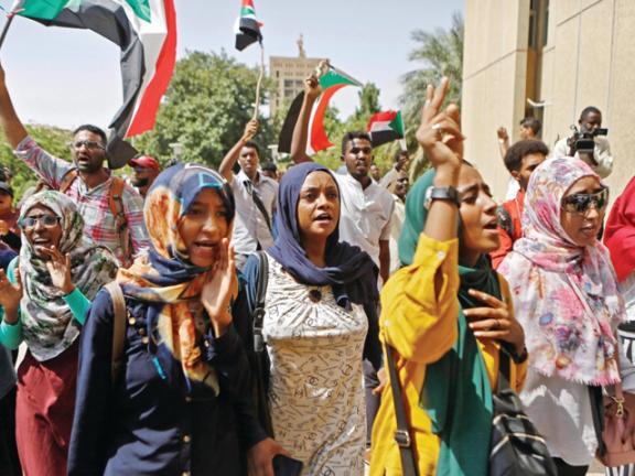Photo of السودان: حزب البشير يدعو لتشكيل حكومة تكنوقراط