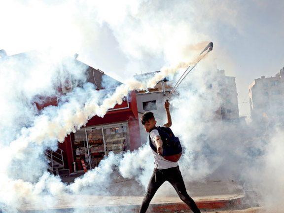 Photo of يوم غضب فلسطيني رفضاً لشرعنة أمريكا للاستيطان