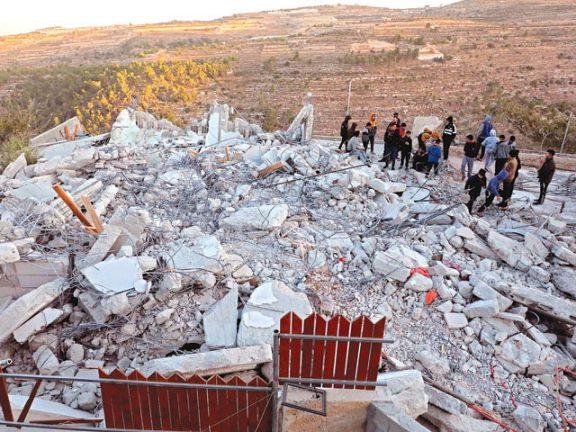Photo of الاحتلال يهدم 4 منازل فلسطينية في الضفة