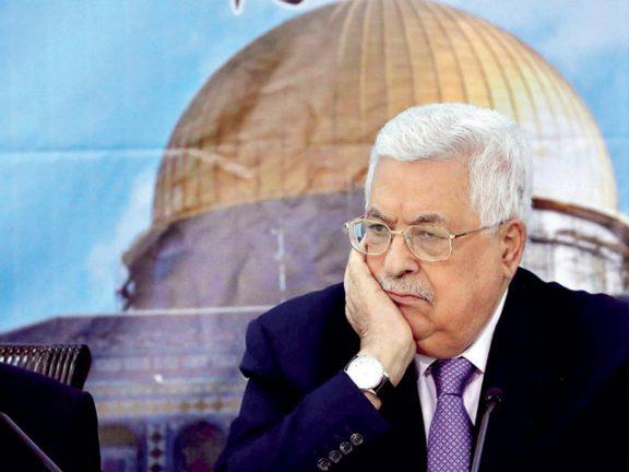 Photo of حماس لعباس: الجاسوس من وصفه عرفات بكرازاي فلسطين