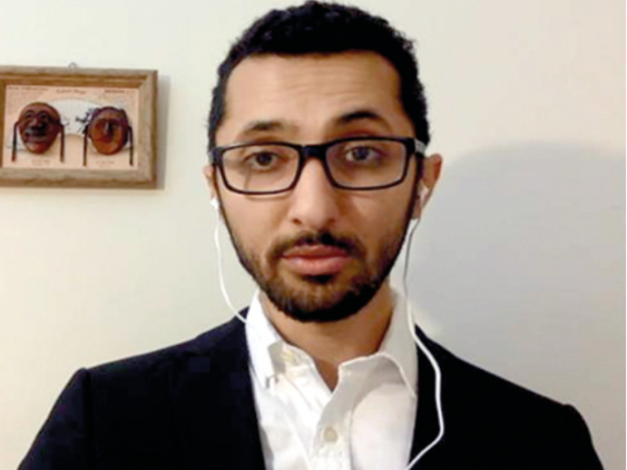 Photo of ابن سـلمان يخـشـى الديمقراطية ويتجمّل للغرب