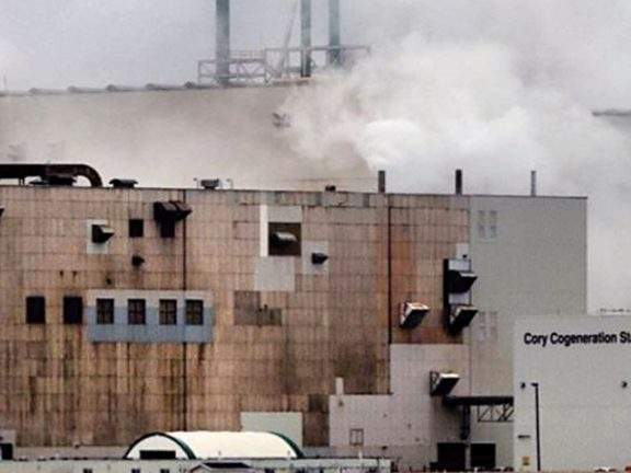 Photo of إنقاذ 34 عاملاً علقوا في منجم