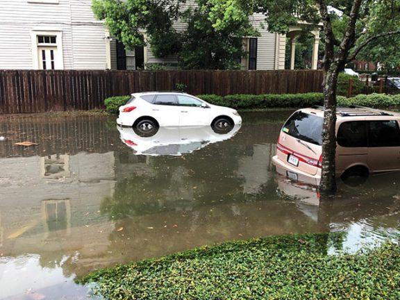 Photo of أمريكا: فيضانات مدينة نيو أورلينز تتحول لإعصار