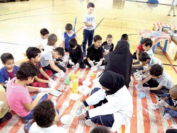 Photo of النادي الأهلي يعرف منتسبيه بالتفاعلات الكيميائية
