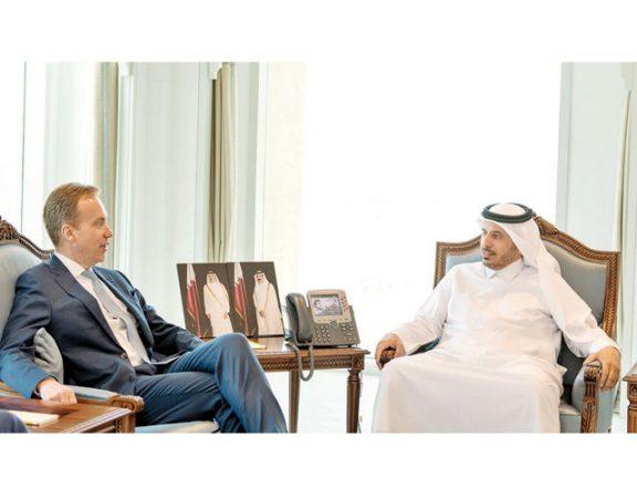 Photo of رئيس الوزراء يستقبل رئيس المنتدى الاقتصادي العالمي