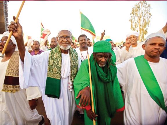 Photo of السودان: تجمّع المهنيين يدعو لإضراب عام وإسقاط الحكم العسكري