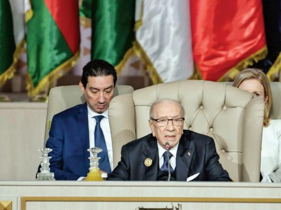 Photo of الرئيس التونسي يؤكد ضرورة تعزيز العمل العربي المشترك