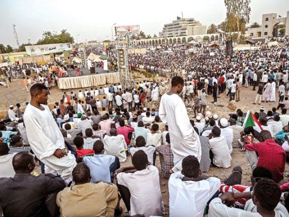 Photo of السودان: المعارضة تعلّق التفاوض مع المجلس العسكري