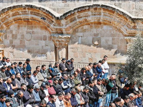 Photo of محكمة إسرائيلية تأمر بإغلاق مبنى باب الرحمة
