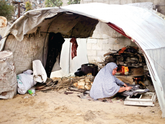 Photo of مستويات الفقر والحرمان في غزة لا مثيل لها