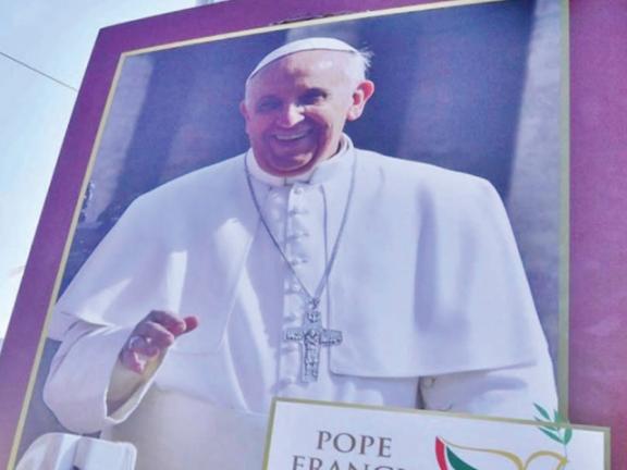 Photo of الإمارات تستخدم زيارة البابا لتجريف حرية التعبير والحقوق