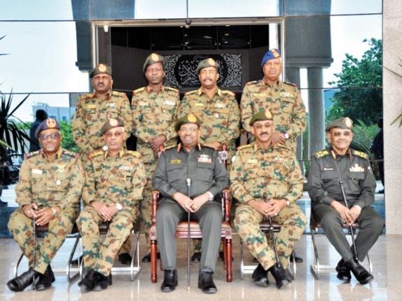 Photo of السودان: البشير يجري تغييرات في قيادة الجيش