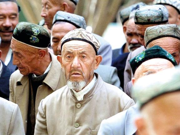 Photo of ابن سلمان يقدم مصالحه على الإسلام