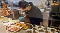 Photo of مختبر سنغافوري يستنسخ أطباقًا ببدائل لحوم نباتية