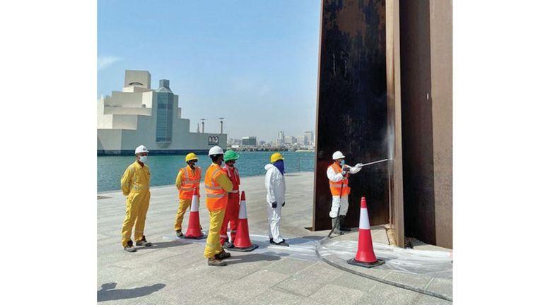 Photo of متاحف قطر تقوم بصيانة «منحوتة 7»