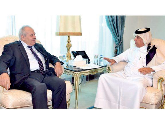 Photo of المريخي يجتمع مع السفير الفلسطيني