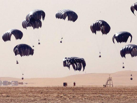 Photo of تمرين قطري أمريكي مشترك لإسقاط المعدات جواً
