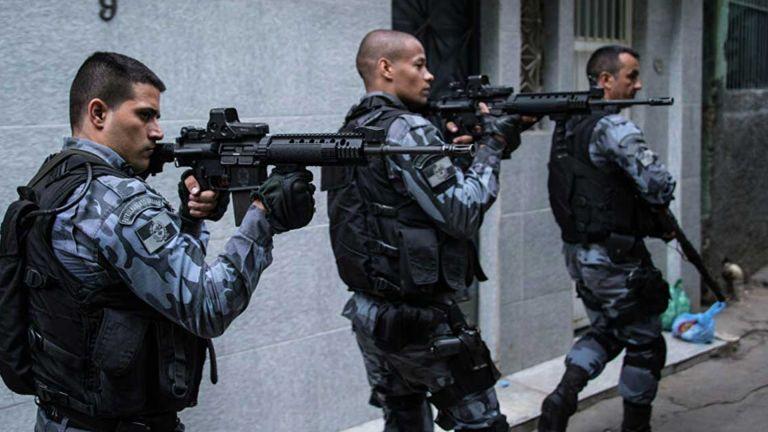 Photo of 28 قتيلًا بتبادل إطلاق نار مع عصابة مُخدرات في البرازيل