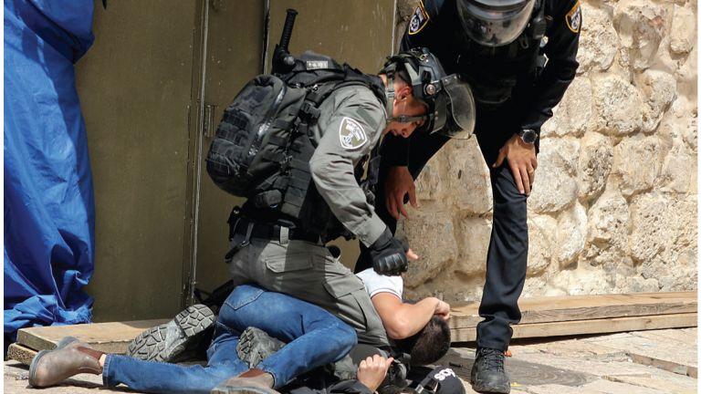 Photo of نتنياهو ارتكب مجزرة بالأقصى إرضاءً للمستوطنين