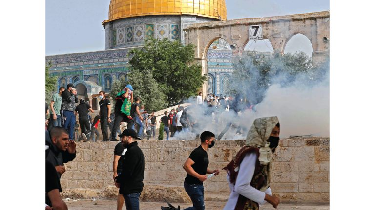 Photo of صواريخ المقاومة توقف مسيرة المستوطنين في القدس