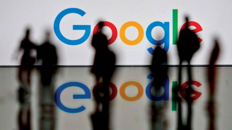 """Photo of خلال ساعات.. إيقاف خرائط غوغل وبريد """"جيميل"""" ويوتيوب على ملايين الهواتف القديمة"""