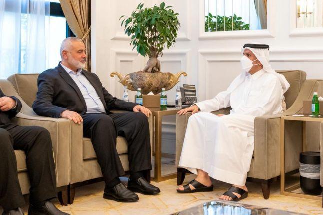 Photo of نائب رئيس مجلس الوزراء وزير الخارجية يجتمع مع رئيس المكتب السياسي لحركة حماس