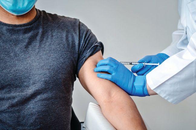 Photo of فرنسا وألمانيا تواصلان إعطاء جرعات منشطة من اللقاحات