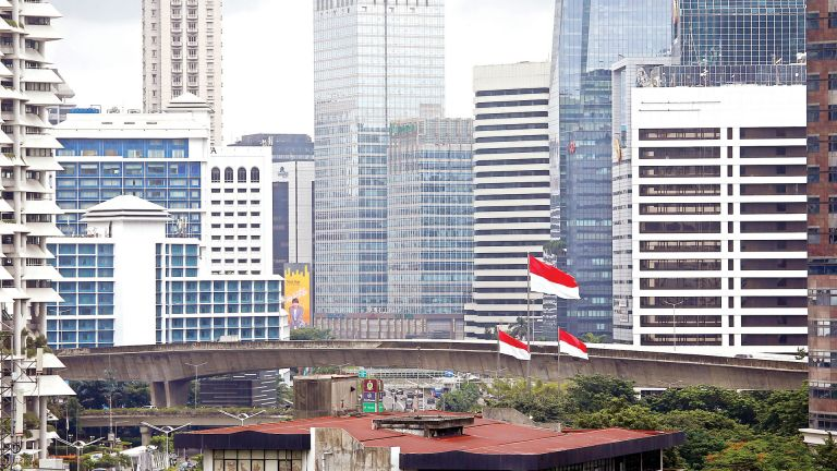 Photo of إندونيسيا تفرض قيودًا صارمة بسبب كورونا