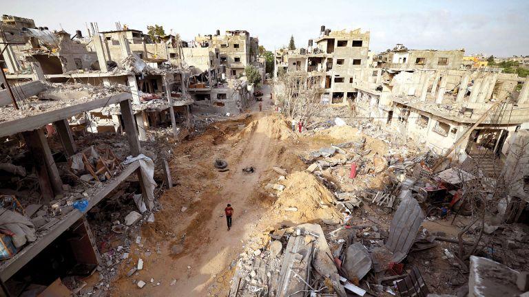 Photo of الأونروا تسعى لمساعدة المدمرة منازلهم في غزة