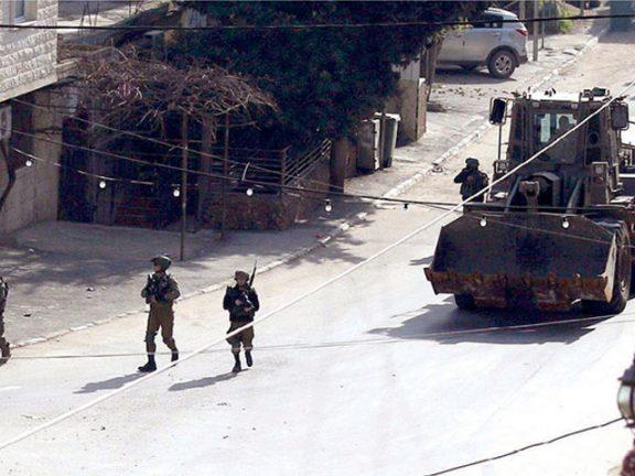 Photo of إصابة 13 فلسطينياً في مواجهات مع قوات الاحتلال