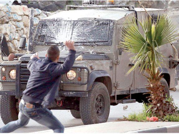 Photo of الضفة: الاحتلال يعتقل 12 فلسطينياً