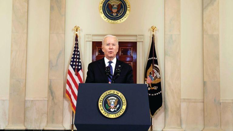 Photo of البيت الأبيض يعلن تأكيد الرئيس الأمريكي على ضرورة الانتقام من مدبري هجوم أفغانستان