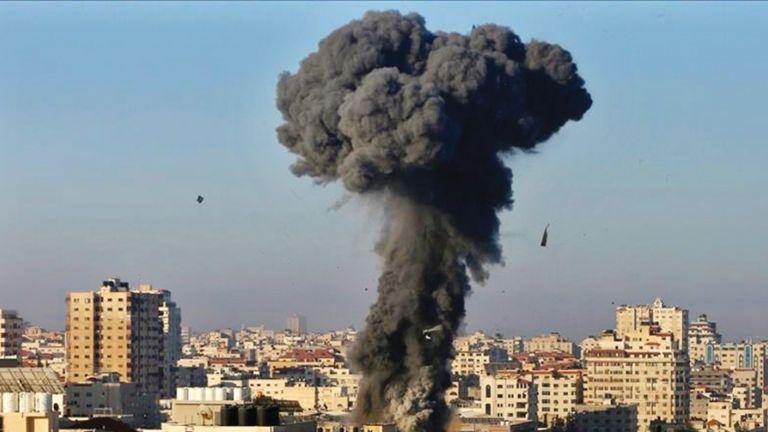 Photo of طيار إسرائيلي: دمرنا أبراج غزة للتنفيس عن إحباطنا