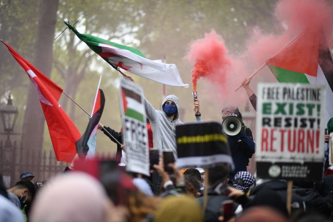 Photo of بريطانيا : مظاهرة حاشدة تطالب الحكومة بفرض عقوبات على الكيان الإسرائيلي
