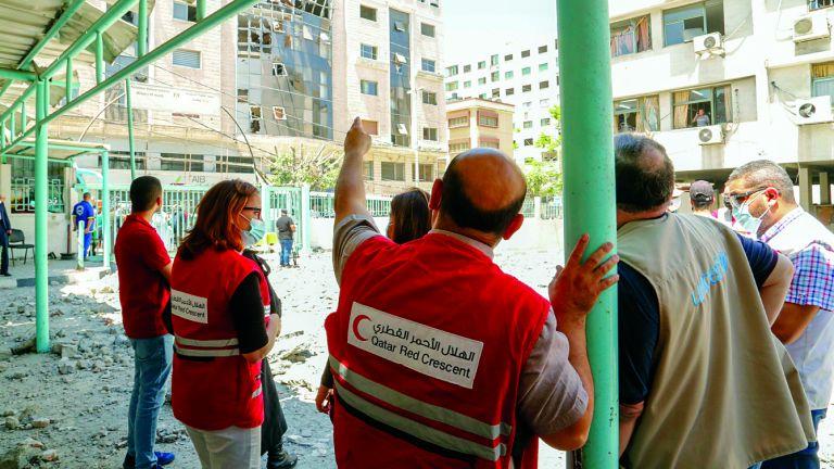 Photo of الهلال الأحمر القطري يبحث الأضرار الجسيمة في قطاع غزة مع الاتحاد الدولي لجمعيات الصليب والهلال الأحمر