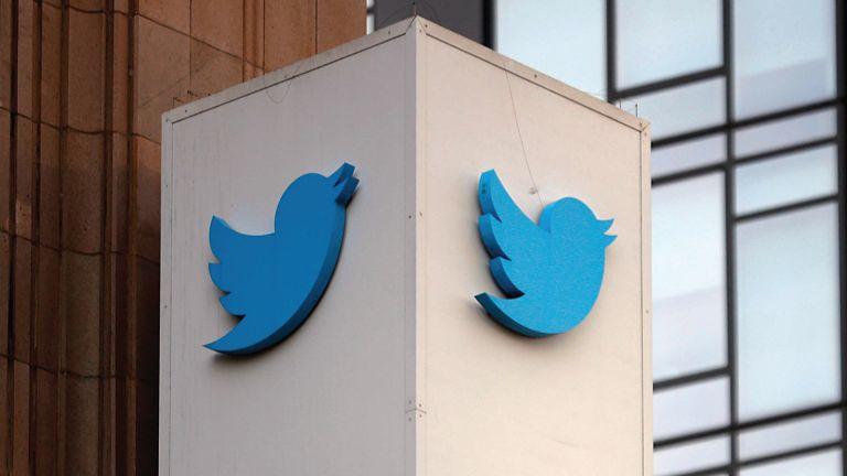 """Photo of القضاء الفرنسي يأمر """"تويتر"""" بتفصيل مواردها المستخدمة لمكافحة الكراهية عبر الإنترنت"""