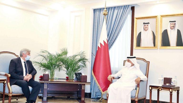 Photo of رئيس الشورى يجتمع مع رئيس مجموعة الصداقة البرلمانية الفرنسية – القطرية