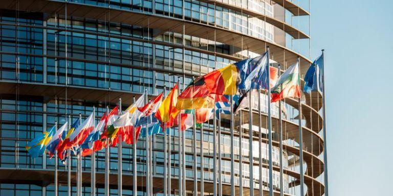 "Photo of الاتحاد الأوروبي يصادق على نظام شهادة ""كوفيد-19"" الصحية"