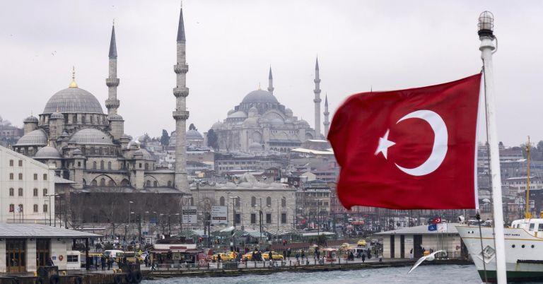 Photo of تركيا تعود للحياة الطبيعية مع رفع القيود المفروضة في إطار مكافحة كورونا