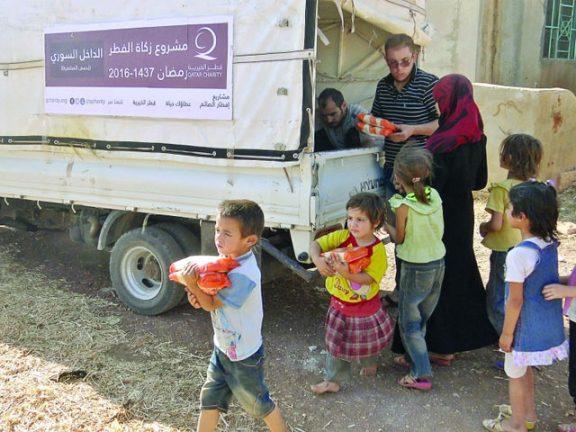 Photo of قطر الخيرية توزع زكاة الفطر بالداخل السوري وغزة