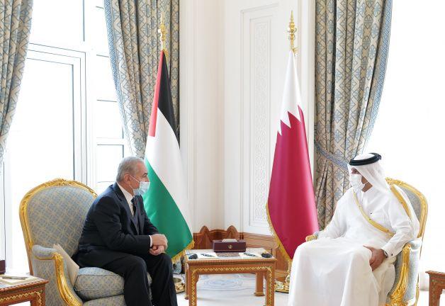 Photo of رئيس مجلس الوزراء يجتمع مع رئيس الوزراء الفلسطيني
