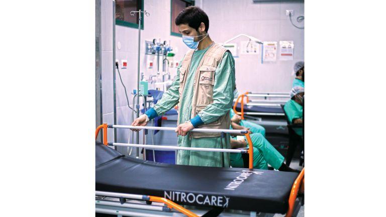Photo of قطر الخيرية توفّر مستلزمات طبية للمستشفيات الفلسطينية