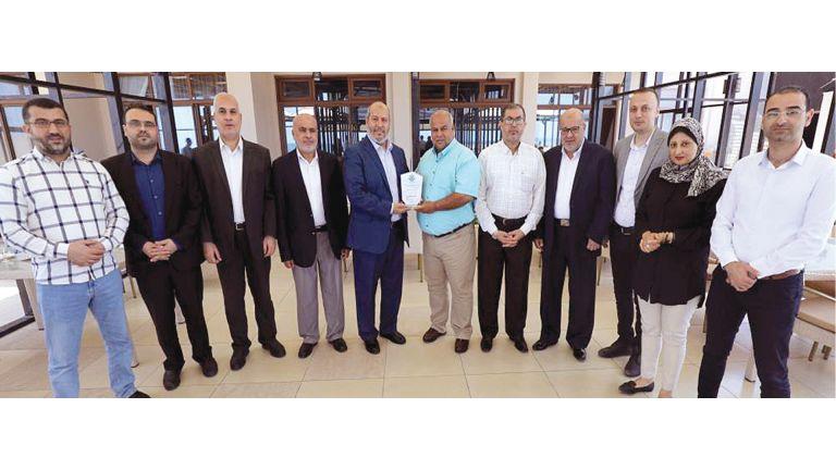 Photo of حماس تشيد بتغطية الجزيرة المهنية وقت العدوان