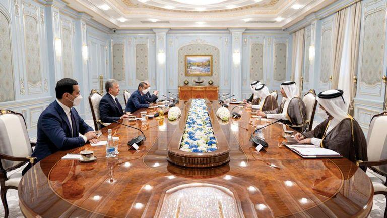 Photo of رئيس أوزبكستان ونائب رئيس الوزراء يستعرضان العلاقات
