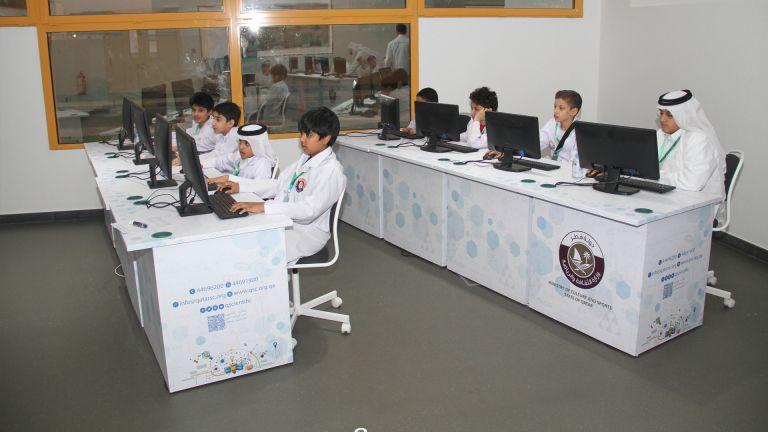 """Photo of انطلاق المخيم الصيفي """"تحدي العلوم الافتراضي"""" بالنادي العلمي الثلاثاء المقبل"""