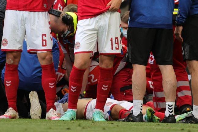 Photo of إنعاش قلبي رئوي للدنماركي إريكسن أثناء مباراة في كأس الأمم الأوروبية