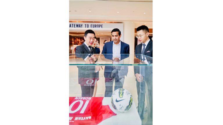 Photo of حاكم تشنغدو الصينية يشيد بتحضيرات دولة قطر لكأس العالم 2022