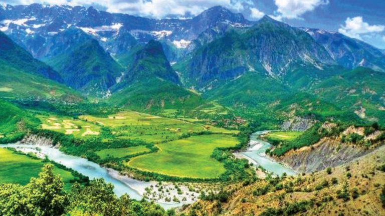 Photo of بيئيون يطالبون بحماية آخر الأنهار البرية في أوروبا