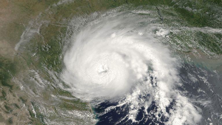 Photo of العاصفة كلوديت تهدد ساحل خليج المكسيك الأمريكي
